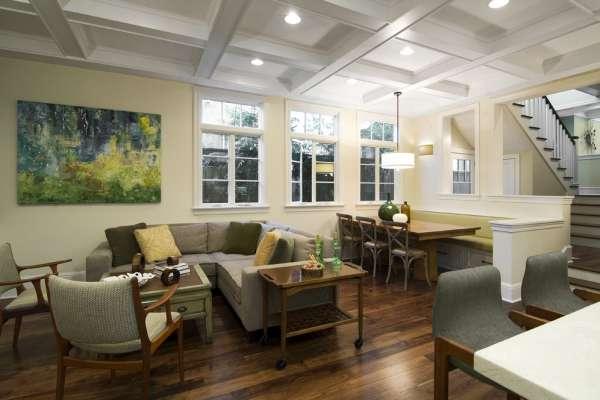 32nd Street - Family Room