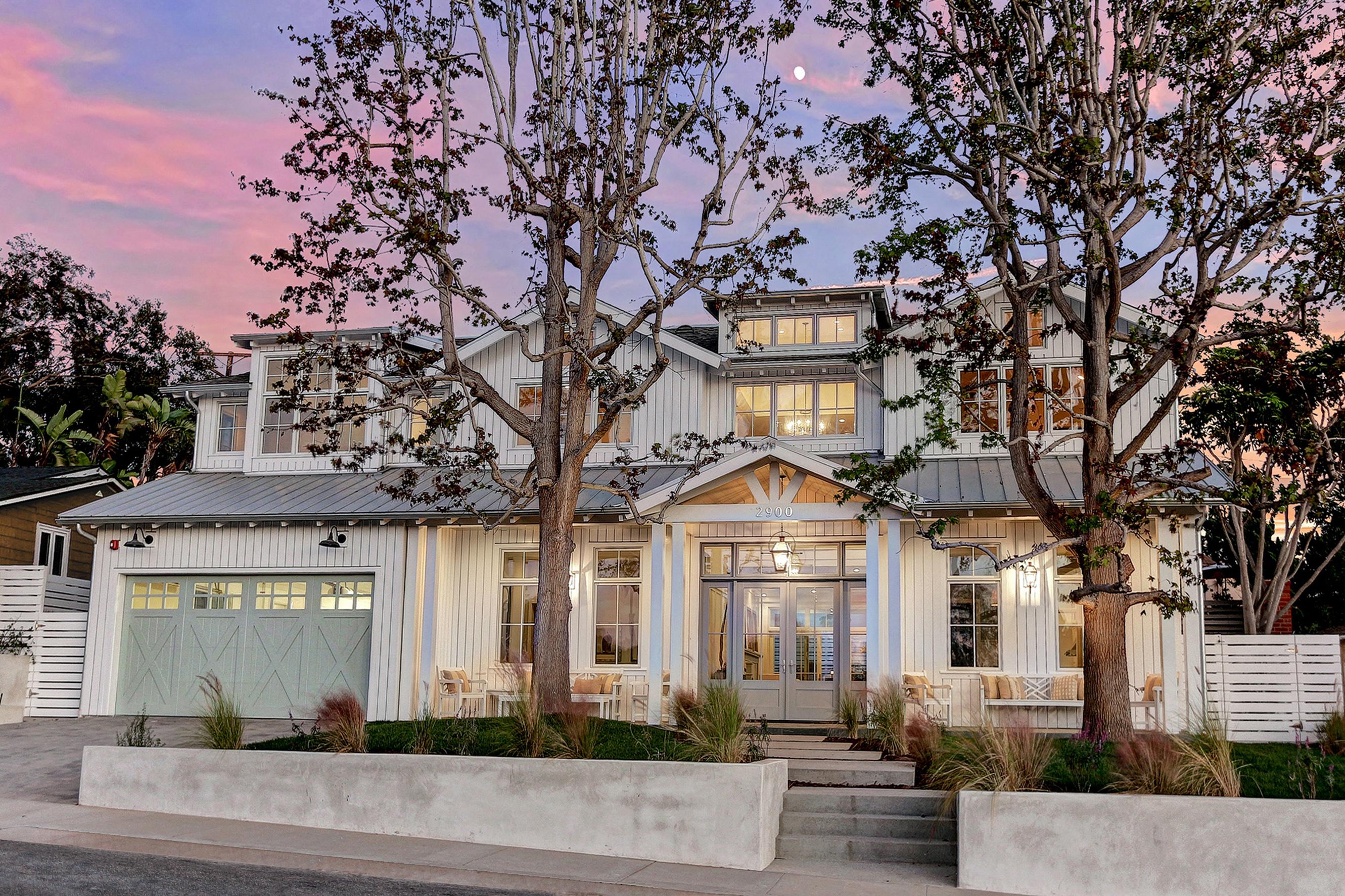 Modern farmhouse david watson architect for Custom home designs california