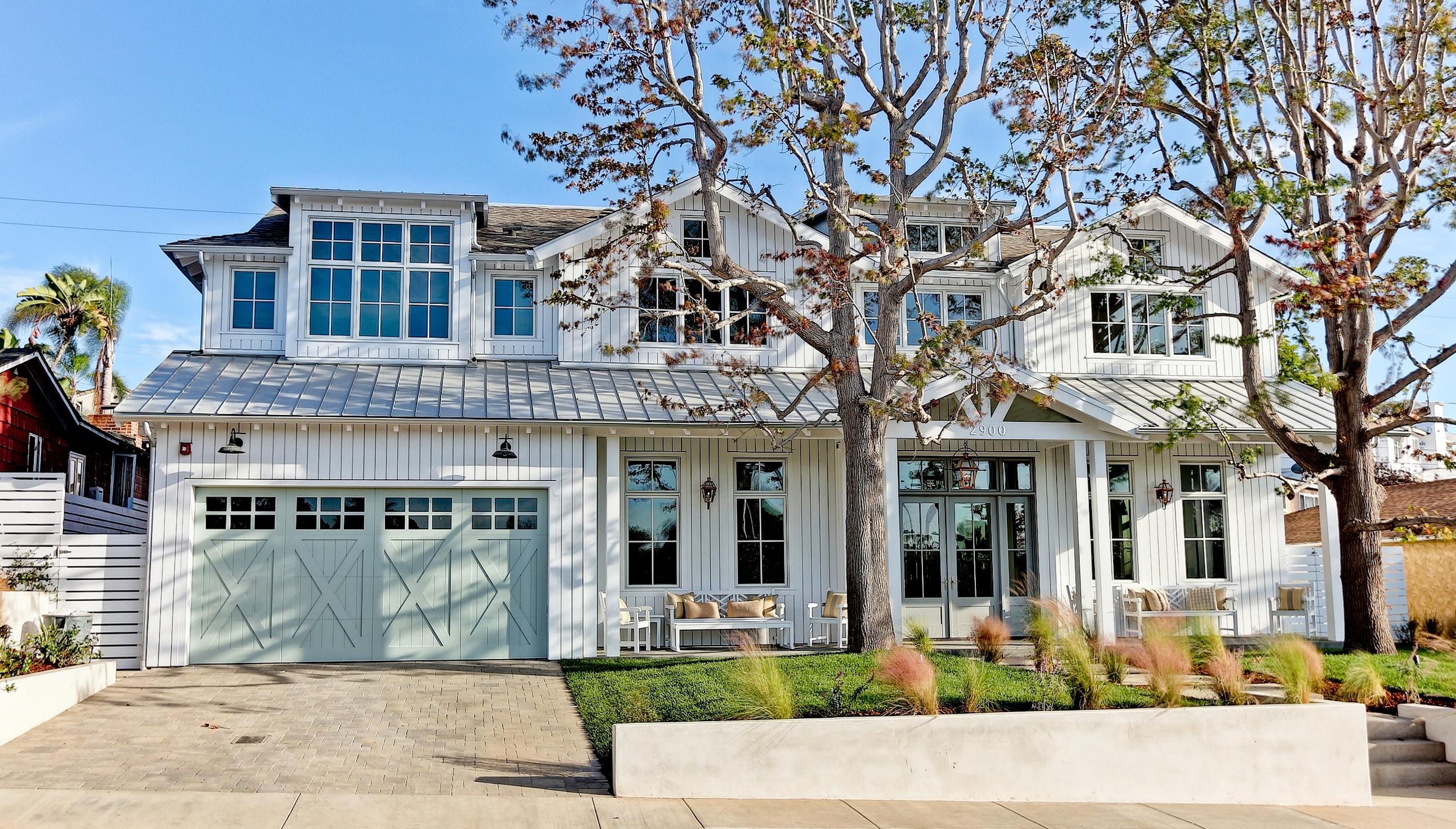 Modern farmhouse david watson architect for Modern farmhouse architects